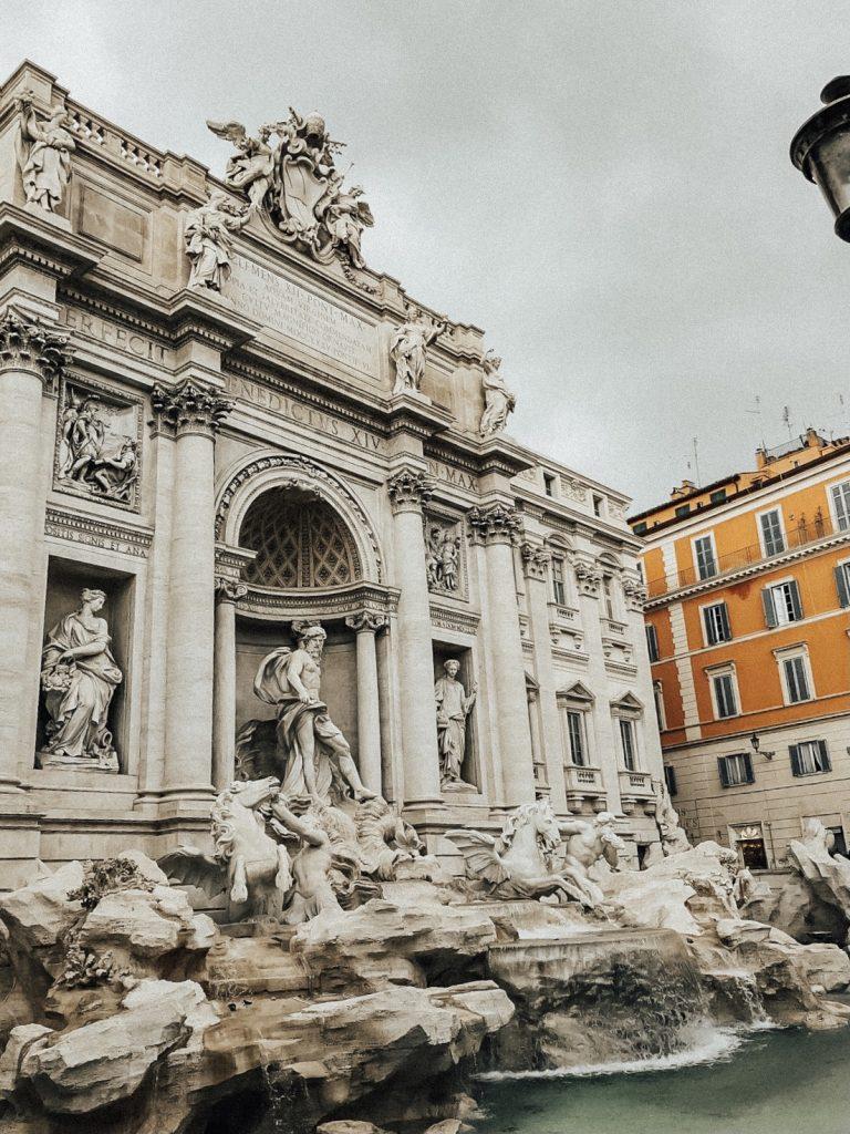 rome trevi fountain